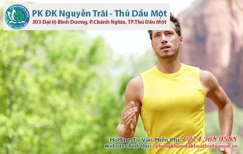 Nam giới nên tăng cường tập thể dục giúp cải thiện hẹp bao quy đầu