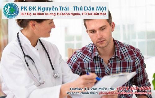 Khi mắc bệnh mụn rộp sinh dục nam giới cần chủ động đi khám và điều trị sớm