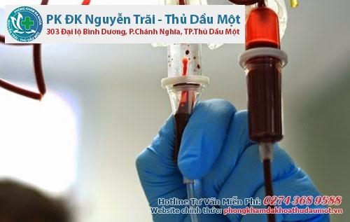 Truyền máu của người bị mụn rộp sinh dục cũng rất dễ lây bệnh