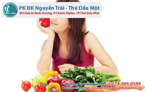 Chế độ ăn uống cũng là yếu tố chính giúp giảm cơn đau bụng