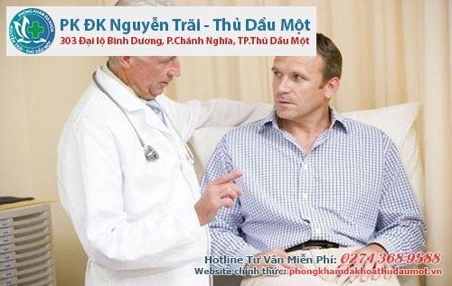 Người bệnh cần thăm khám để được bác sĩ tư vấn về biến chứng nứt hậu môn