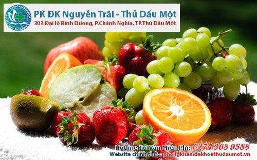 Phụ nữ mắc bệnh viêm tử cung nên ăn nhiều trái cây tươi và sữa chua