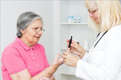 Phương pháp điều trị bệnh đái tháo đường type 2 ở người cao tuổi