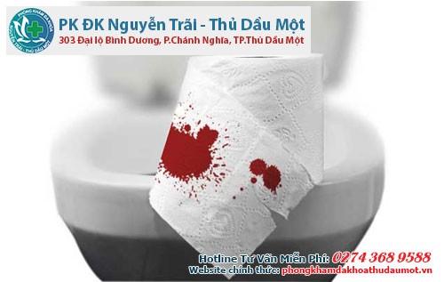 Hậu môn bị chảy máu khi đi vệ sinh khiến nhiều băn khoăn
