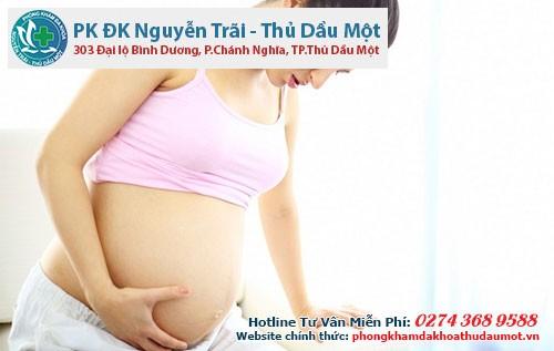 phu nu mang thai thang cuoi
