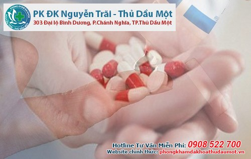 Dùng thuốc uống kết hợp thuốc bôi trị ngứa vùng kín nam giới