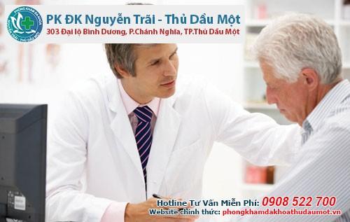 Phương pháp điều trị tình trạng tiểu ra máu ở người cao tuổi