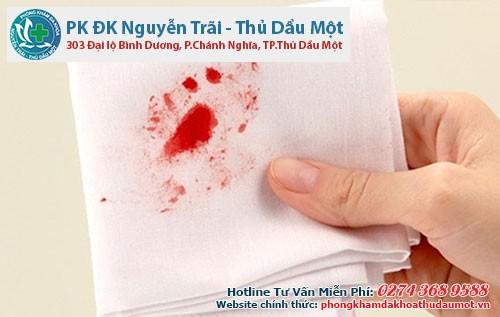 Mắc bệnh trĩ ngoại có chảy máu không