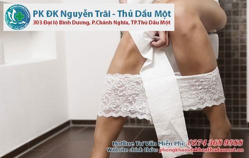 Có rặn khi đi vệ sinh là nguyên nhân dẫn đến trĩ nội