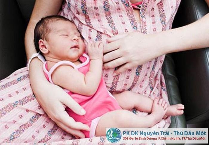 Đình chỉ thai khi đang cho con bú