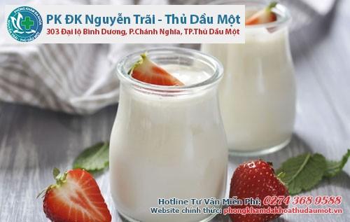 Hỗ trợ điều trị viêm âm đạo bằng sữa chua