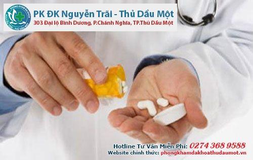 Điều trị bệnh viêm bàng quang cấp tính bằng thuốc kháng sinh