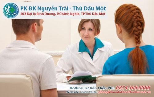 Bác sĩ tư vấn bệnh vô sinh ở nam giới